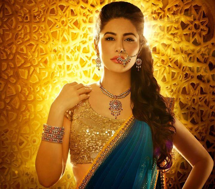 Nargis Fakhri Damas Jewelry Diwali 2