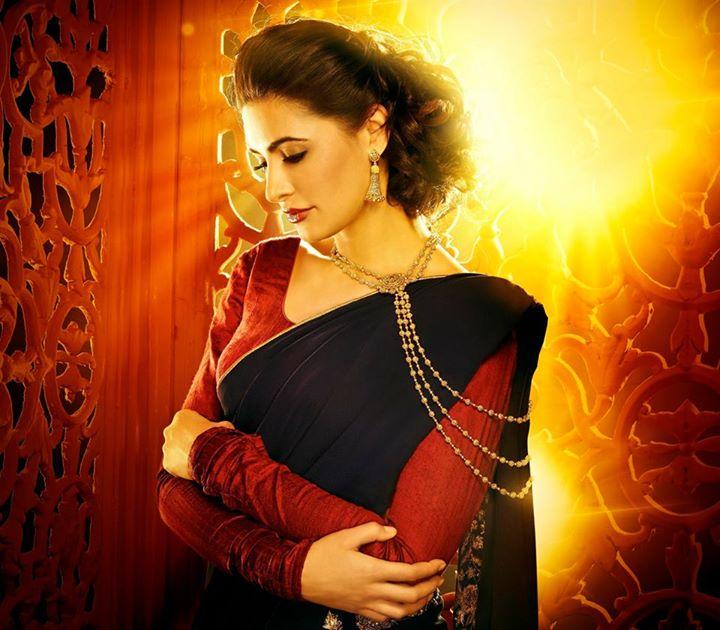 Nargis Fakhri Damas Jewelry Diwali 4