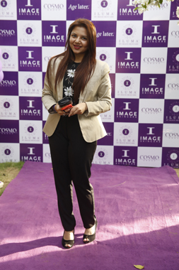 A guest on the purple carpet
