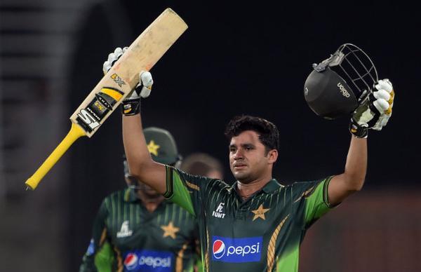 Azhar Ali's 102 helps #Pak beat #Zim by 6 wickets