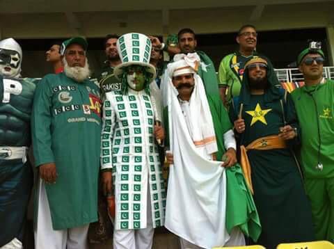 Icons of Pak cricket finally