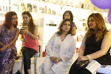 Nadya Mistry, Beenish Pervez, Roohi Sayeed with guests
