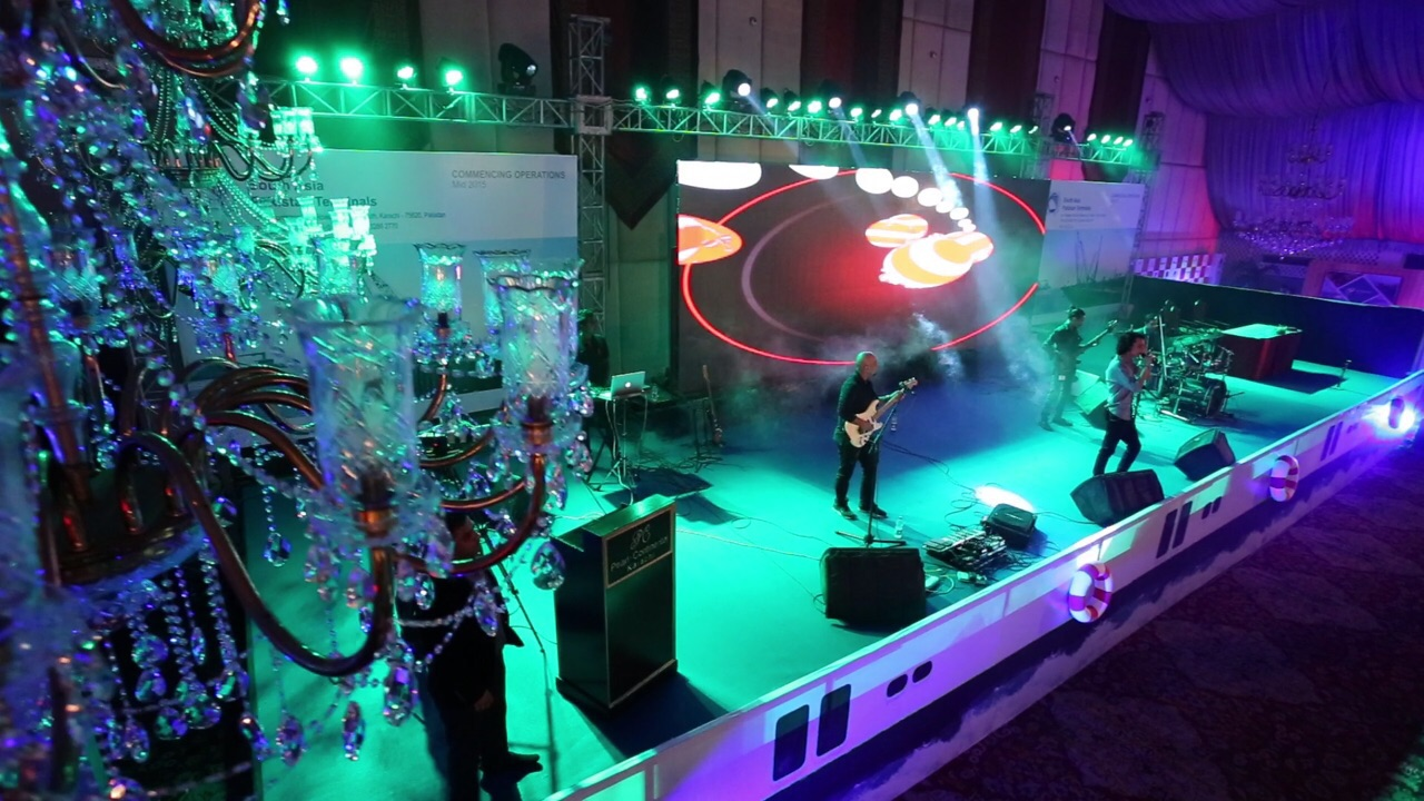 Mizmaar performing at the PIFFA Awards [Karachi] 4