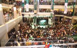 Crowded-Dolmen-Mall