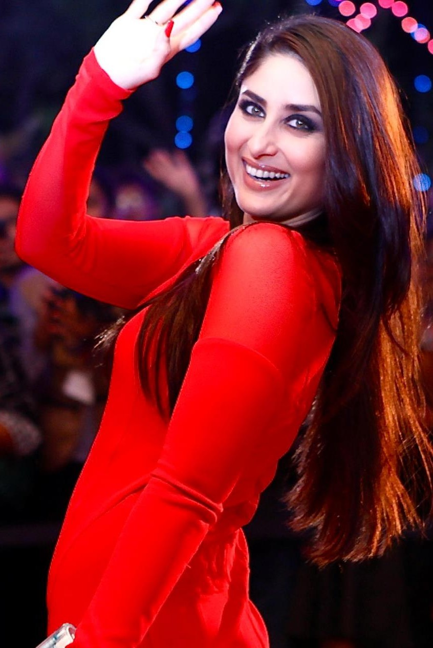 Kareena Kapoor Khan in red Dress