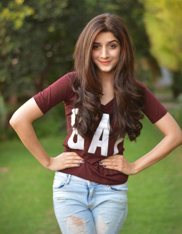 Mawra Hocane Stylisth Actresses in Pakistan