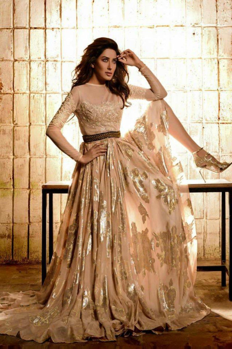Mehwish Hayat Stylish actresses in Pakistan Mediamagick