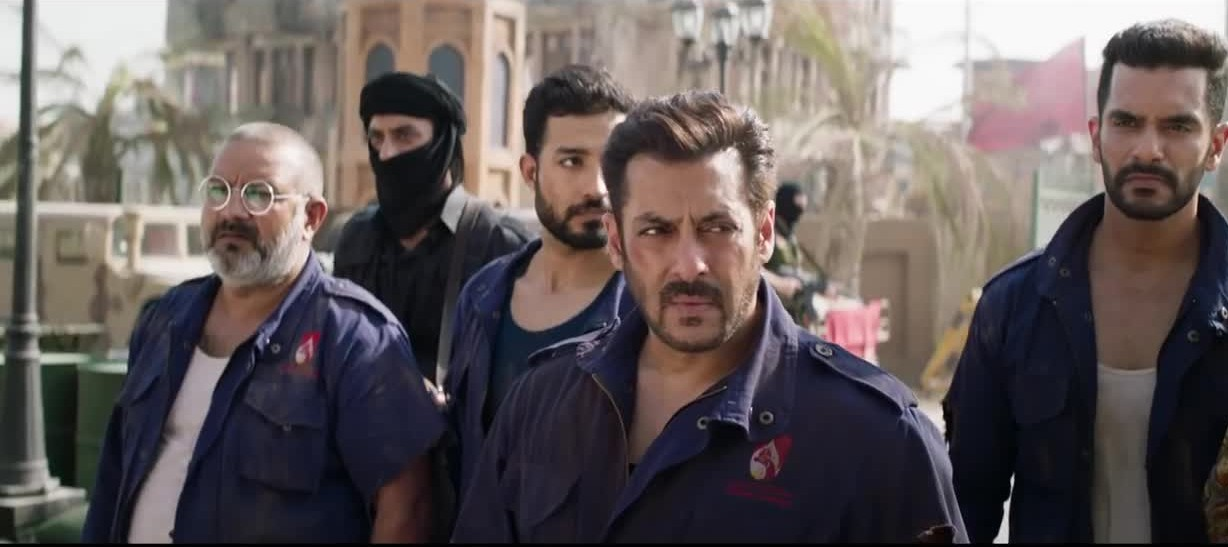 Tiger zinda hai trailer review 2